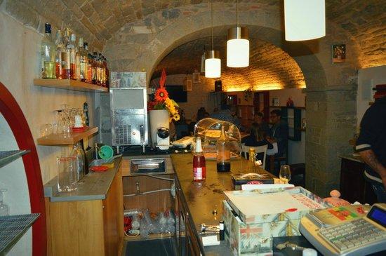 Province_of_Forli_Cesena_Emilia_R_0003_Cantina-Diva_Bagno-di -Romagna_hero_photo_06-dc-01-80-cantina-diva.jpg