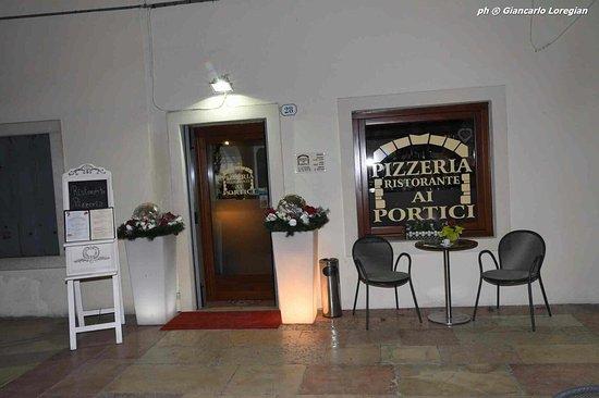 Ristorante pizzeria ai portici piazzola sul brenta for Bar ai portici