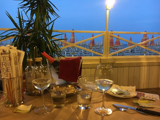 Bagno bologna & bolognino beach restaurant punta marina terme
